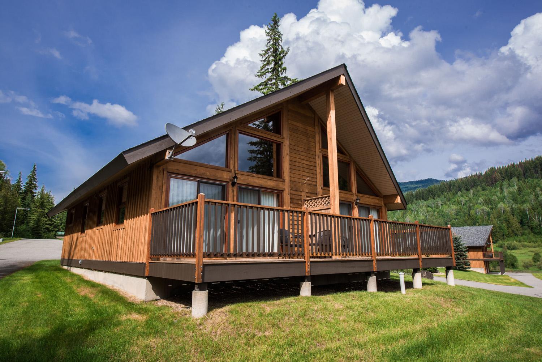 1 Bedroom Log Suite at Alpine Meadow Resort