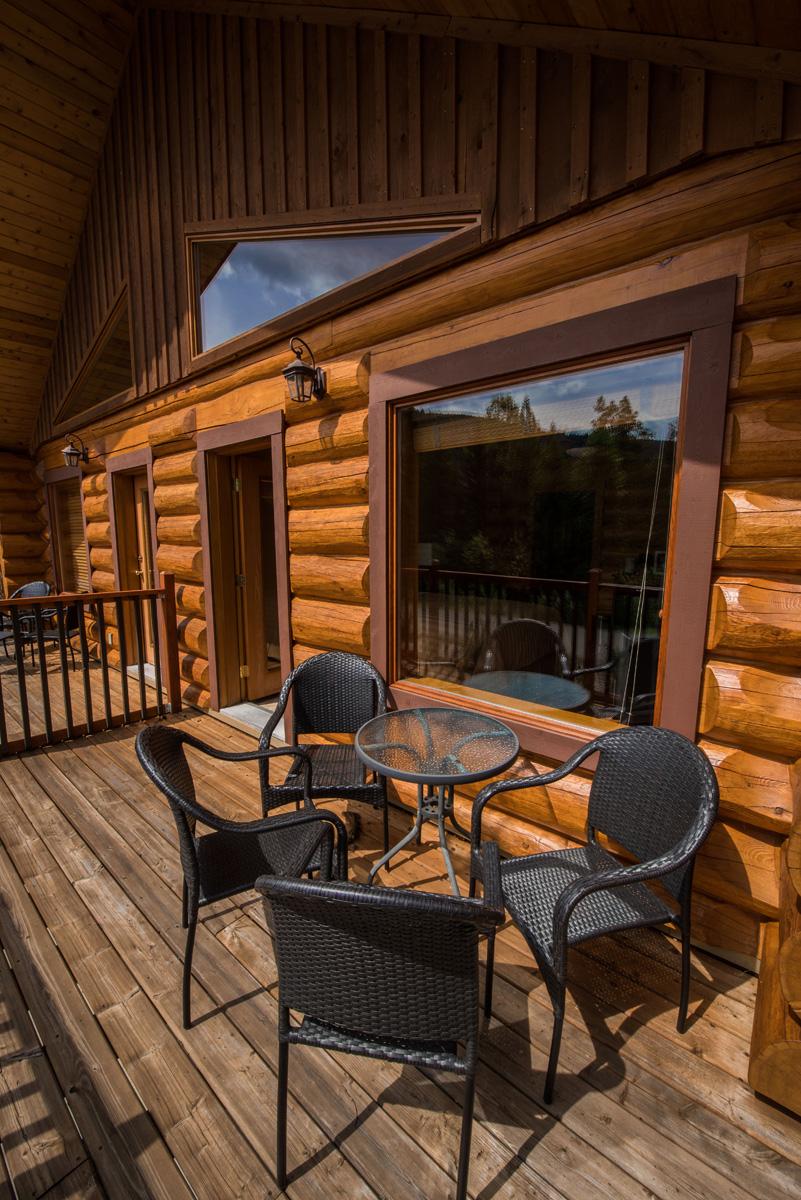 2 Bedroom Suites In Savannah Ga: Alpine Meadow Resort, Clearwater, BC