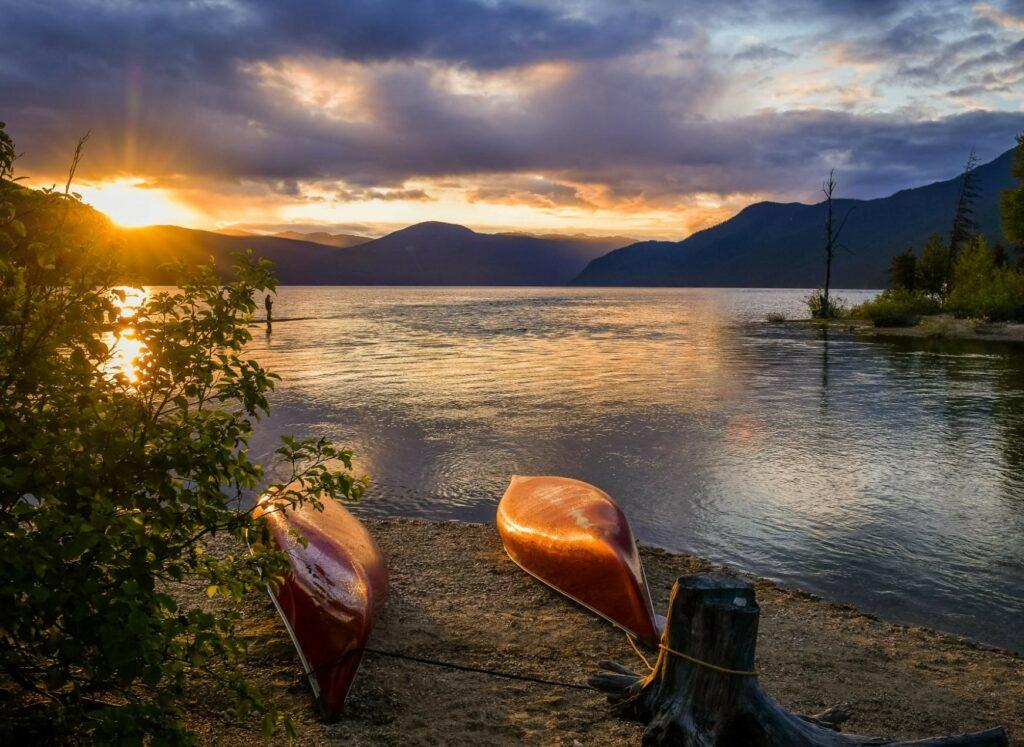 kayak sunset wells gray lake